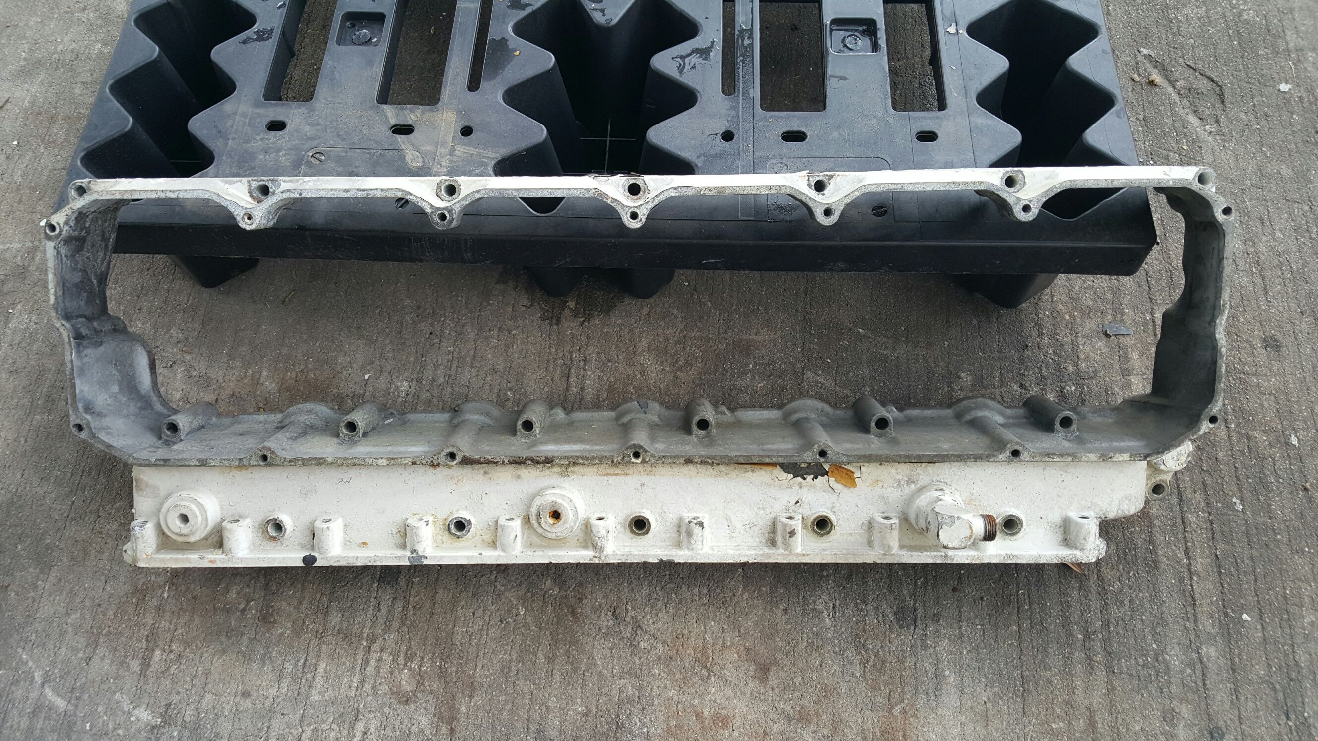 Rocker cover box 3126/3116