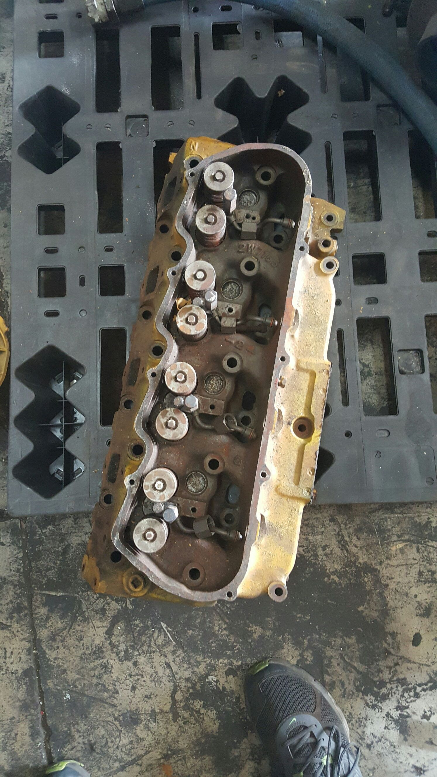 Caterpillar 3208 head used