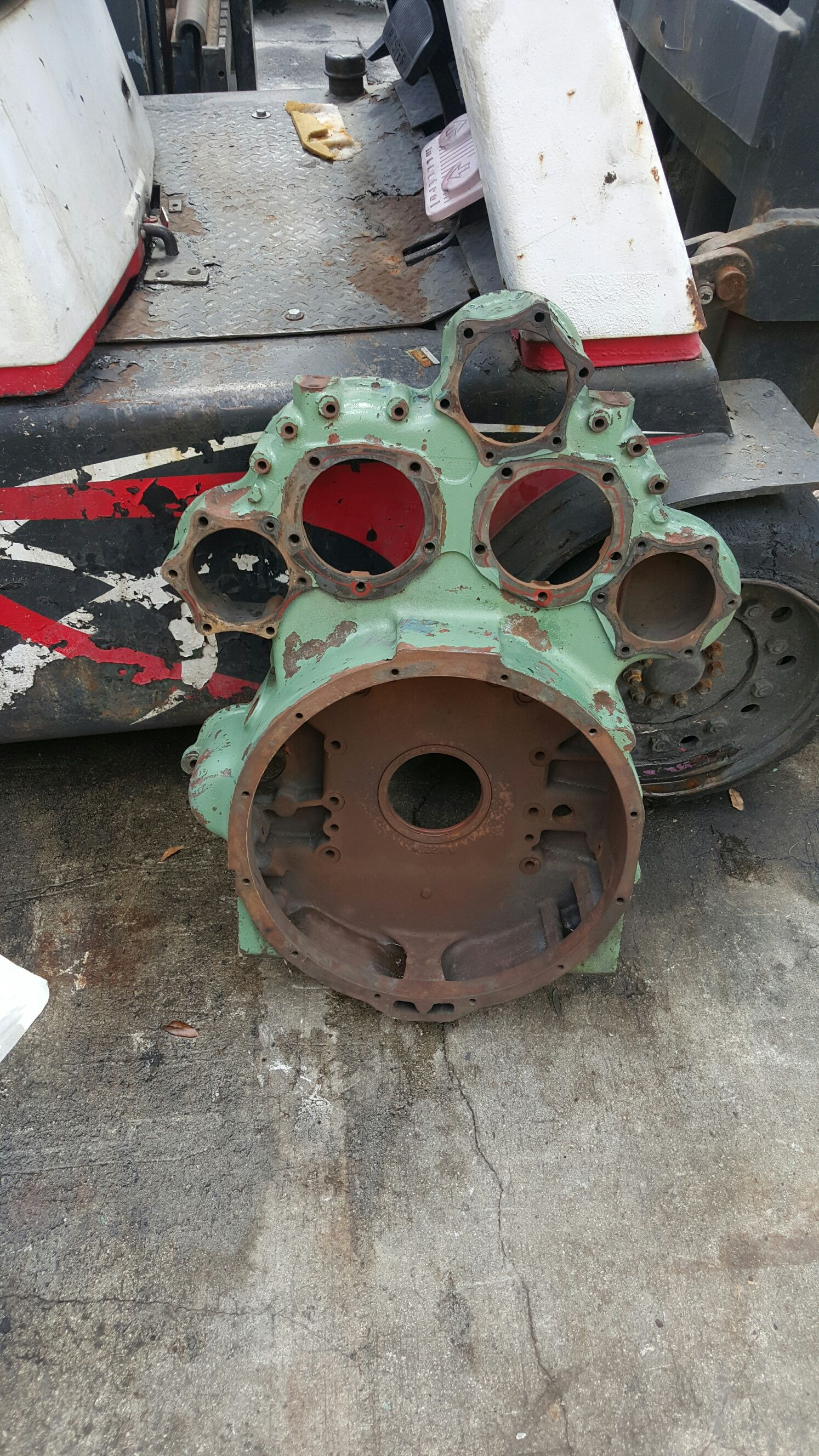 8v-71TI rear flywheel housing