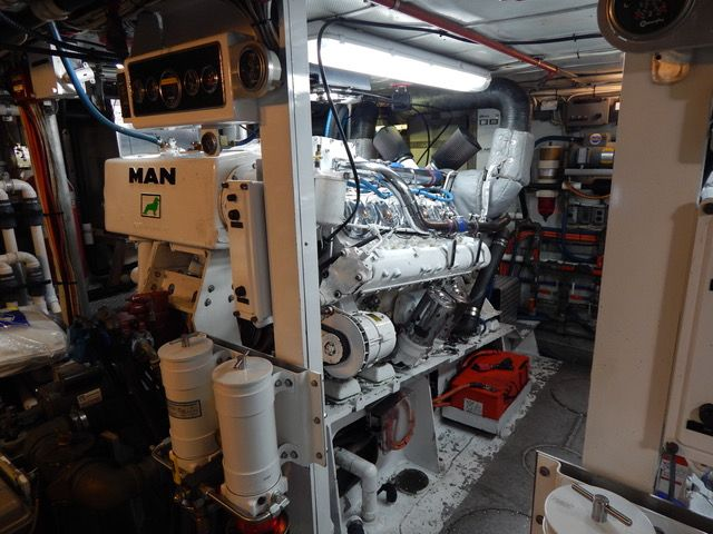 MAN D2842 LE Used Marine Engine