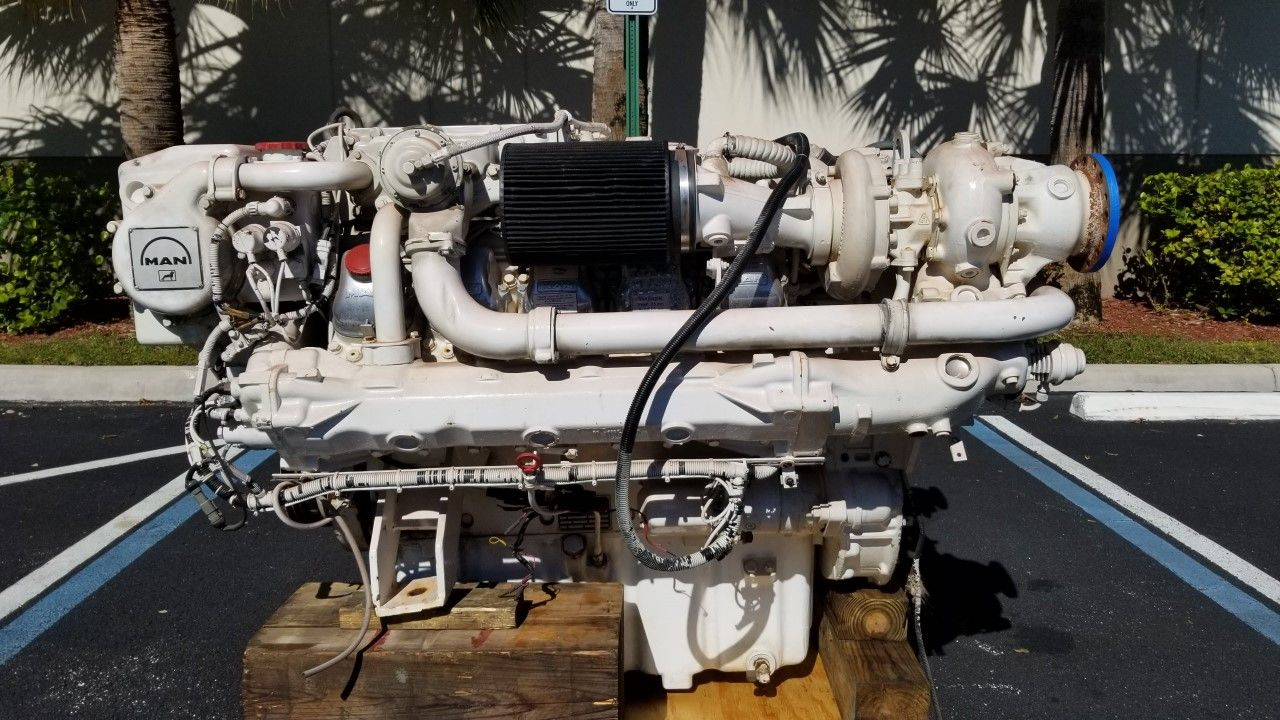 MAN D2840LE403 V10 marine engine